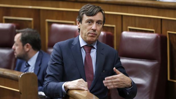 La mayoría del Congreso rechaza la Ley LGTB de Podemos, pero permite su tramitación
