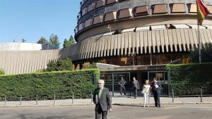 El TC declara inconstitucional y anula el decreto sobre la jornada de 35 horas en Andalucía