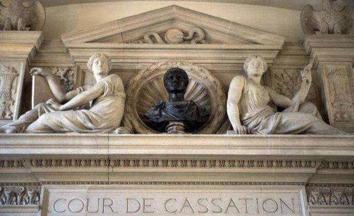 La Corte Suprema francesa prohíbe el 'género neutro' como identificación civil sexual