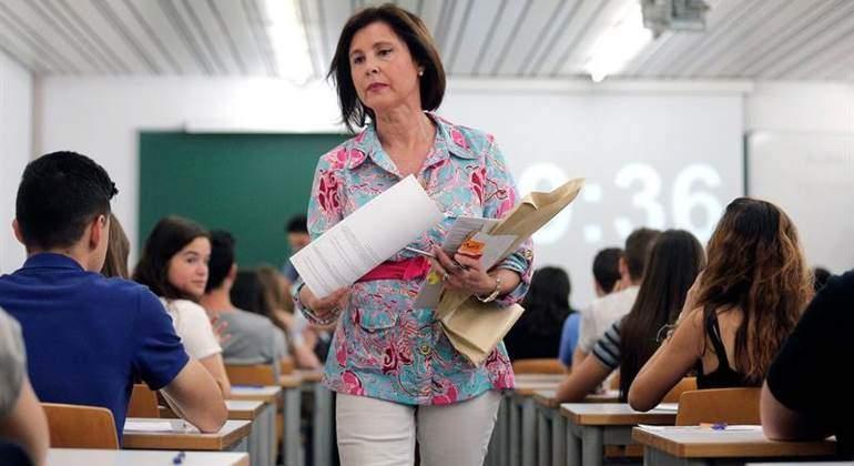 El Tribunal Supremo declara nulo el despido de los profesores interinos durante el verano