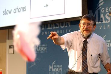 Dios William Phillips, Nobel de Física de 1997, es conocido como el Hombre que Congeló los Átomos William D. Phillips, Nobel de Física: «Dios se preocupa de mí, de ti y de todos, de forma personal»