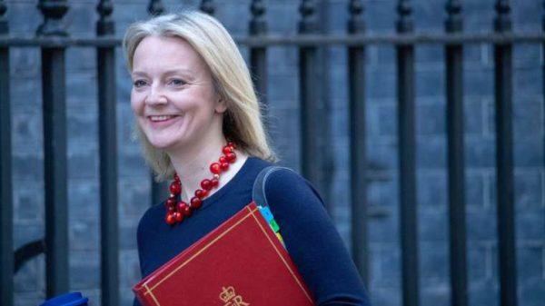 La ministra de Igualdad dice no a la cirugía de cambio de sexo para ni;os